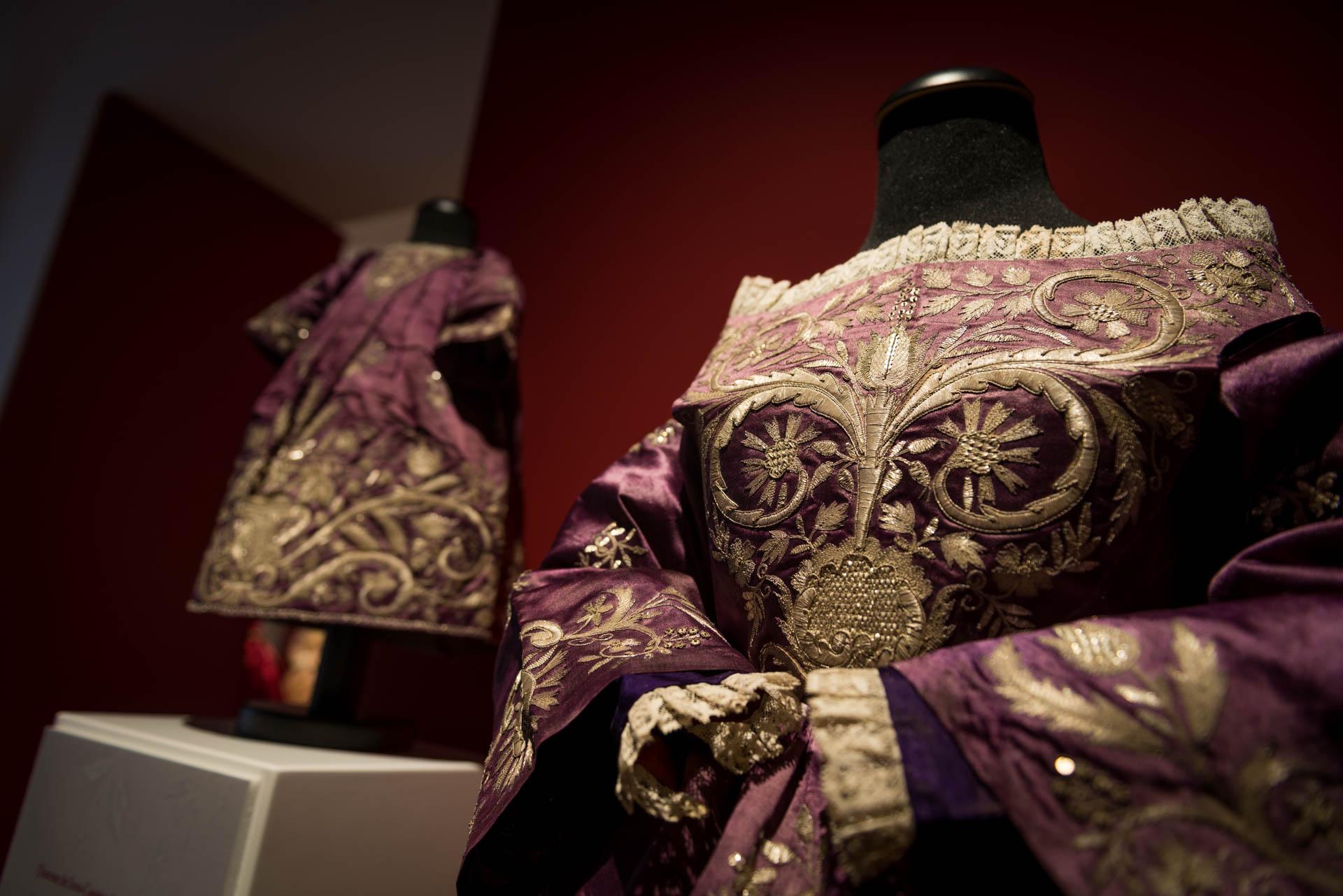 Exposição Tecer a Esperança: Magníficas vestes de Nossa Senhora do Loreto